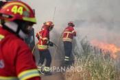 Bombeiros Voluntários de Mourão a caminho de Silves para combate ao incêndio que deflagrou ao início desta tarde