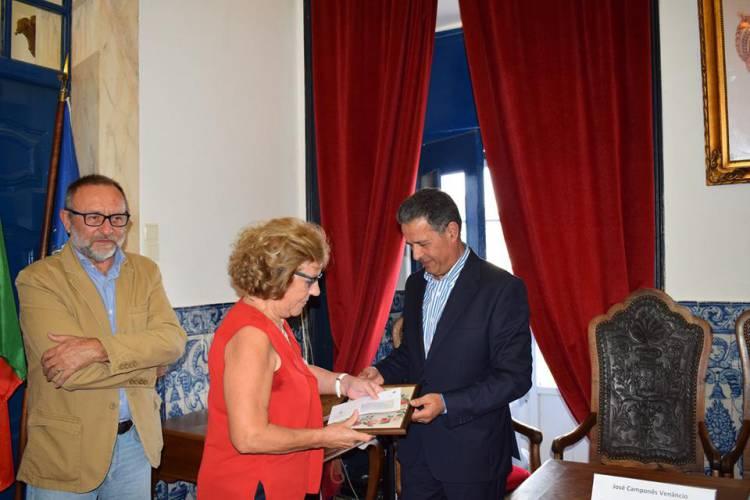 """Câmara Municipal premiou vencedores do concurso """"Vila Viçosa, Concelho Florido"""""""