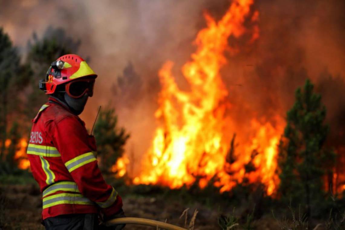 Acidente faz duas vitimas mortais e provoca incêndio no distrito de Évora