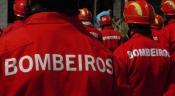 Fatos de proteção individual de combate a incêndios são entregues a Bombeiros de Évora