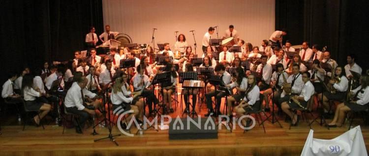 """Banda Filarmónica Redondense celebrou 90 anos, presidente do município destaca o papel """"fundamental"""" na """"formação de jovens"""" (c/som e fotos)"""