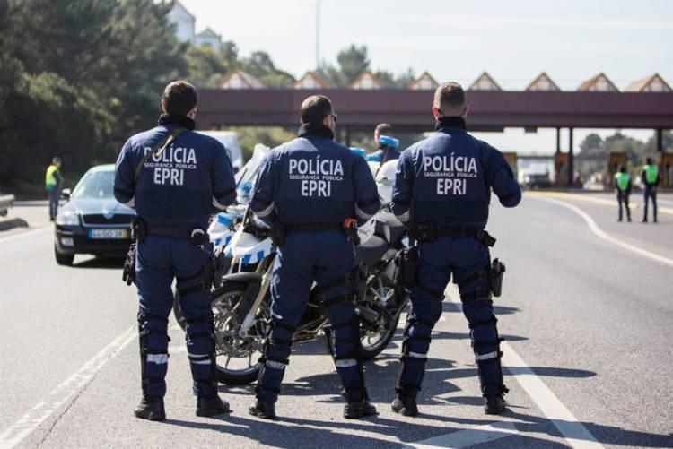 Homem detido por agredir PSP após acidente de viação
