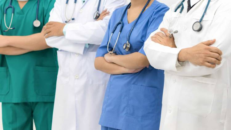 Está aberto concurso para o preenchimento de 25 postos de trabalho para enfermeiros