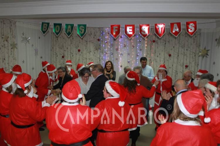 """""""Para eles é a noite de Natal com a família"""", diz provedora da S.C.M. de Sousel na festa de Natal da Residência Sénior (c/som e fotos)"""