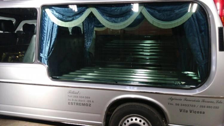 Insólito em Vila Viçosa: Hospital comunica morte de homem à família errada, que já tinha funerária a caminho e hora para o funeral