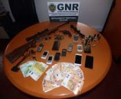 Campo Maior: Dois detidos pelo crime de posse de arma proibida em investigação de furto de trator