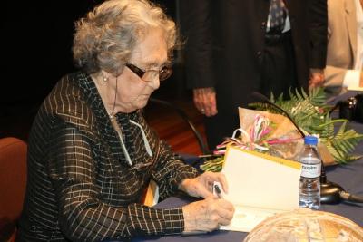 """Autora Elvense de 94 anos Premiada Pelo Seu Livro de Gastronomia """"Do Alentejo ao Alentejo"""""""