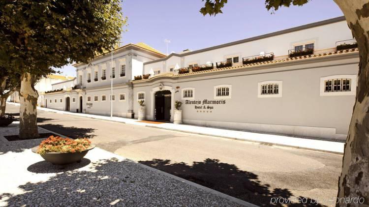 Alentejo Marmòris Hotel & SPA em Vila Viçosa com aumento de taxa de ocupação anual (c/som)