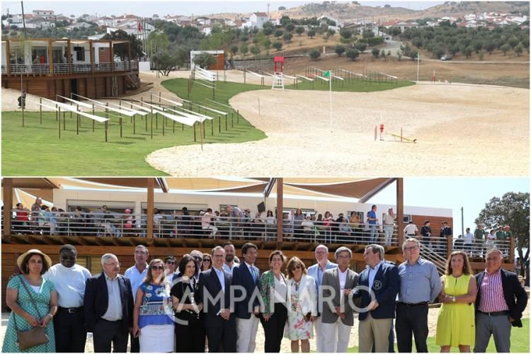 Já foi inaugurada a Praia Fluvial da Amieira. A RC mostra a fotorreportagem e entrevista com a Sec. de Estado do Turismo e o autarca