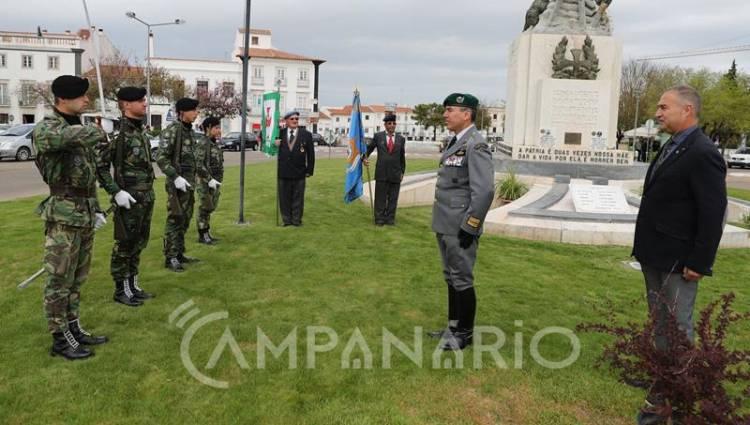"""O poder político """"podia fazer muito mais"""" pelos ex-combatentes, diz Presidente da Liga dos Combatentes de Estremoz (c/som e fotos)"""