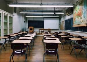 Jovem de 18 anos que esfaqueou colega em escola de Ponte de Sor fica em liberdade