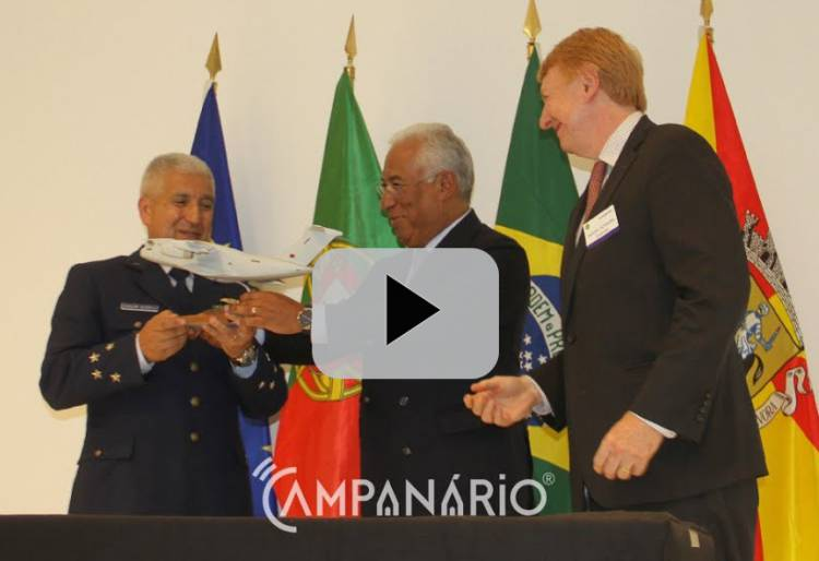 Governo assina com Embraer, contratos KC-390. Veja em vídeo