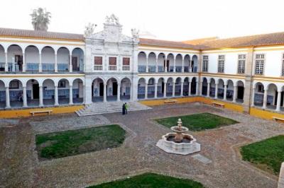 Covid-19: Universidade de Évora já testou 60% dos funcionários docentes e não-docentes e 80 % dos estudantes alojados em residências universitárias