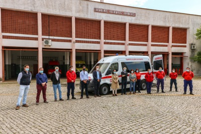Associação Humanitária dos Bombeiros Voluntários de Arronches já recebeu nova ambulância (c/fotos)