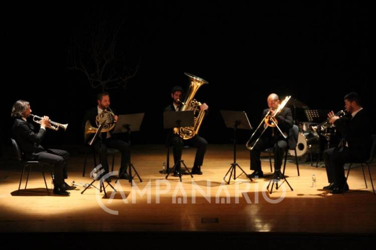 """Alandroal recebeu atuação do Quinteto de Metais Alentejano, um grupo fundado """"na amizade, música e paixão por esta região"""" (c/som e fotos)"""