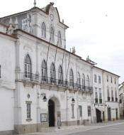 Câmara Municipal de Évora aprova moções em defesa do Serviço Nacional de Saúde