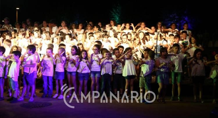 Mais de 300 alunos atuaram em Borba para comemorar o final do ano letivo (c/fotos)