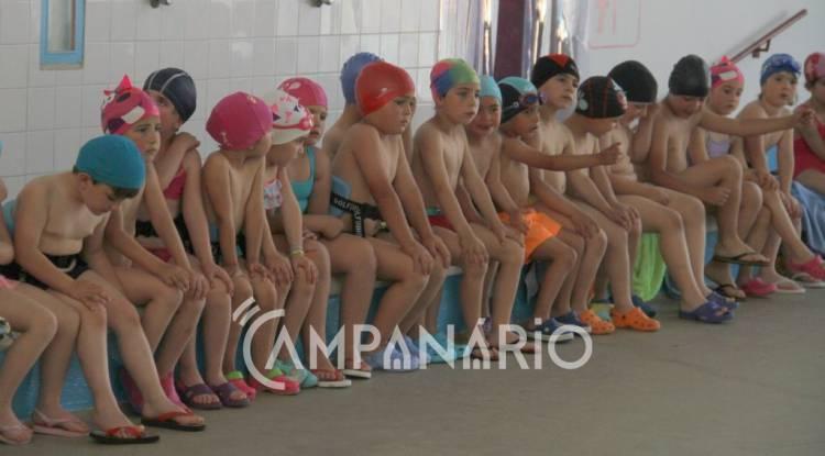 Mais de 60 crianças participaram no II Festival de Natação - Projecto Chapinhar (c/som e fotos)