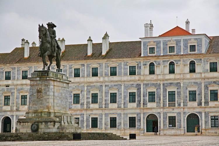 Capela do Paço Ducal de Vila Viçosa abre portas esta sexta-feira para mais um concerto dedicado a D. Maria II