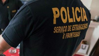 Três cidadãos estrangeiros acusados dos crimes de tráfico de pessoas e de auxílio à imigração ilegal em Campo Maior, Elvas e Portalegre