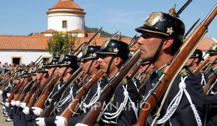 Mais de três centenas de militares da GNR terminaram curso de formação em Portalegre (c/som)