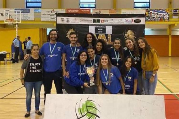 Juventude de Évora vence Supertaça feminina de voleibol
