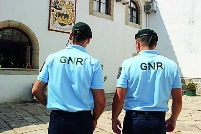 GNR: Com. Territorial de Portalegre regista 10 detenções em flagrante delito, 156 infrações rodoviárias e 16 acidentes de viação de 6 a 12 de julho