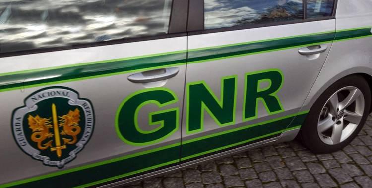 GNR autuou mais de 200 condutores e registou 13 acidentes rodoviários no distrito de Évora este fim-de-semana (c/som)