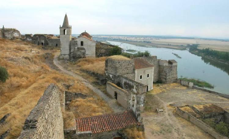 Igreja da Misericórdia de Juromenha será requalificada pela Santa Casa da Misericórdia de Lisboa, avança Mariana Chilra (c/som)