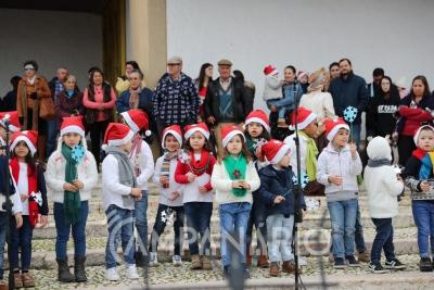As Mais Belas Canções de Natal: Centenas de crianças cantaram ao Menino Jesus junto ao presépio de Redondo (c/som e fotos)
