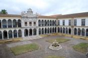 Universidade de Évora solicita a alunos, professores e trabalhadores que regressaram de países afetados evitem interações sociais durante quinze dias.