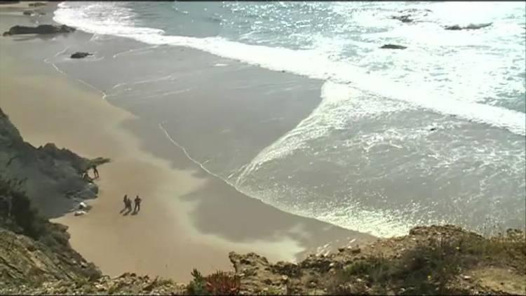 Identificada mulher encontrada sem vida em praia do litoral alentejano há três meses