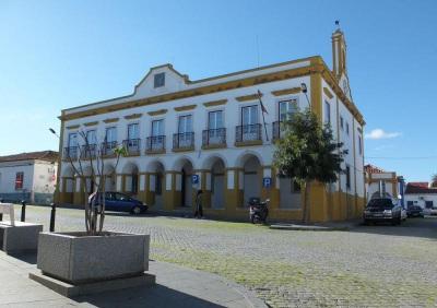 COVID-19: Município de Cuba lança concurso para dinamizar comércio local