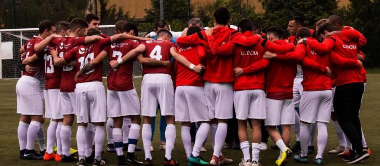 Equipa de futebol da Universidade de Évora qualificada para a final do CNU