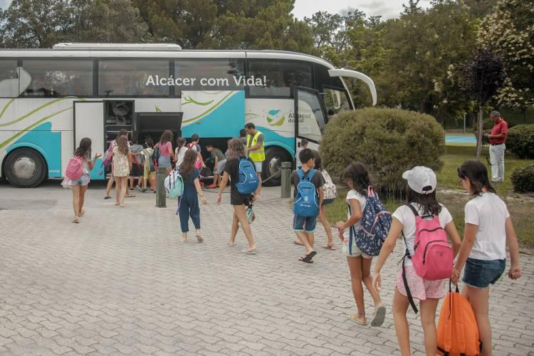 A Câmara Municipal de Alcácer do Sal aumentou a cedência de transportes a associações e instituições do concelho