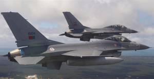 F-16 com problemas no motor largou tanques de combustível perto de Évora