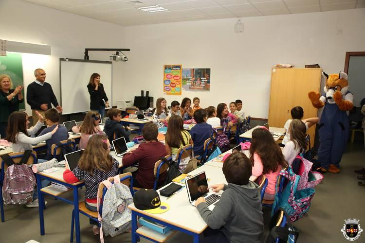 Município de Viana entrega tablets a alunos do pré-escolar e 1º ciclo