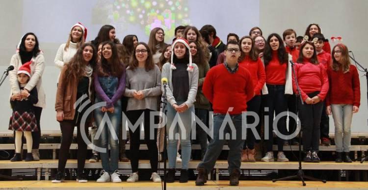 """Festa de Natal do Agrupamento de Escolas de Vila Viçosa """"junta todos os alunos num momento de convívio"""", diz diretor Rui Sá (c/som e fotos)"""