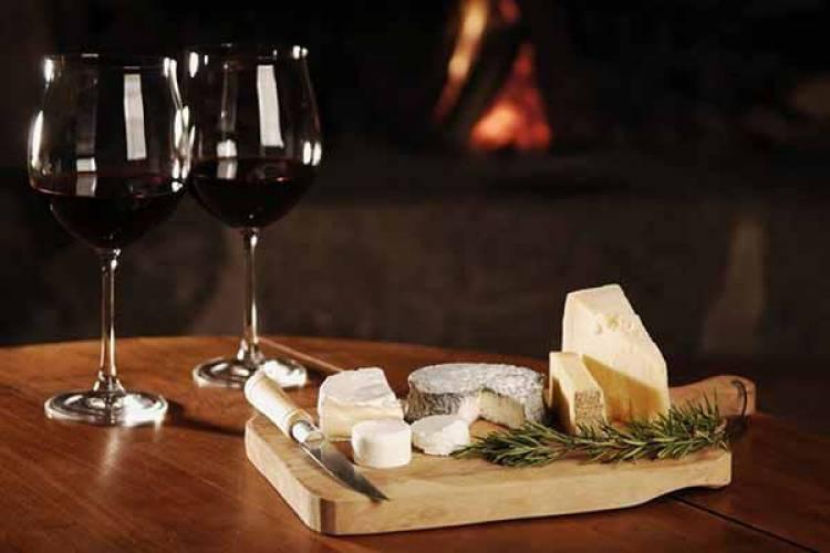 Queijos de Sousel e vinhos de Estremoz marcarão presença no Mercado de Vinhos do Campo Pequeno