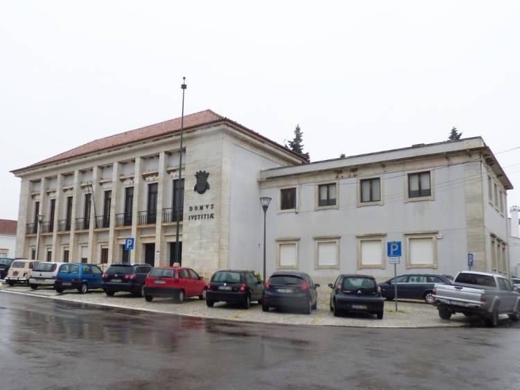 Detidos por agressões à PSP em Estremoz libertados e com apresentações diárias e bissemanais