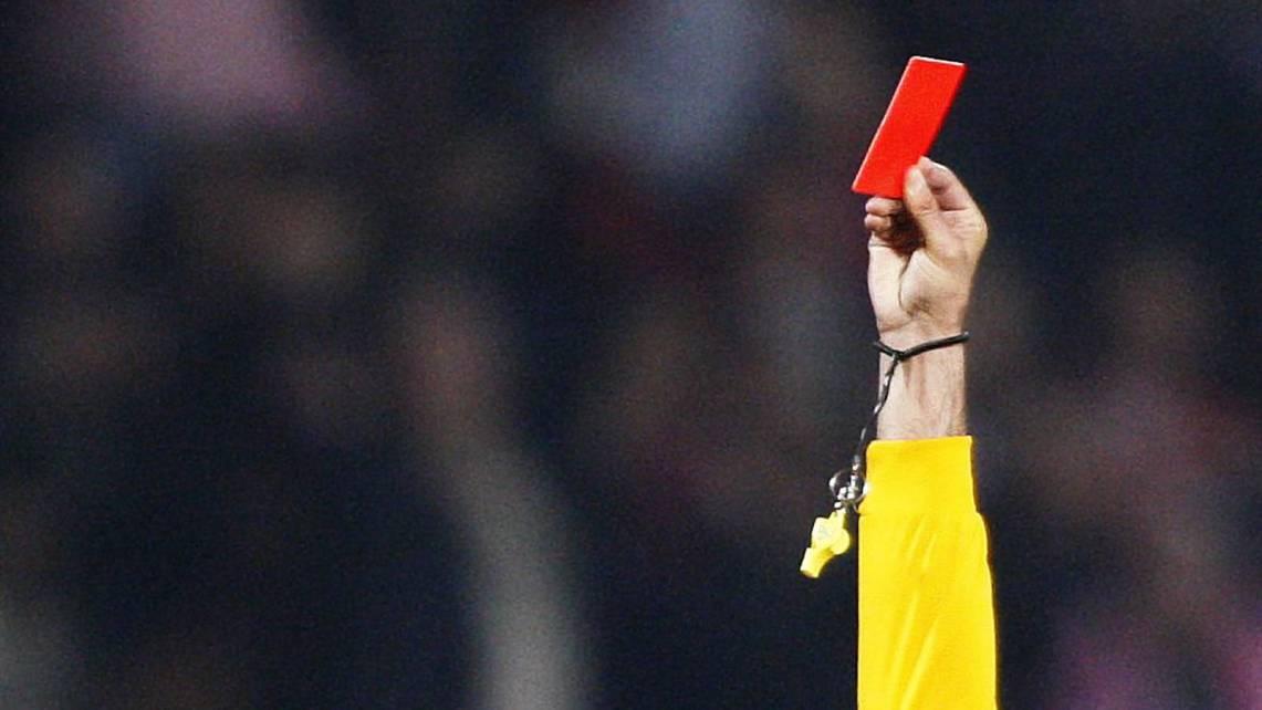 Arbitro violentamente agredido em Montargil em jogo que terminou antes do intervalo