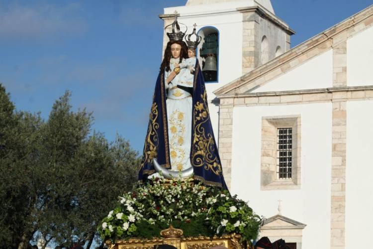 Vila Viçosa: O Santuário de Nossa Senhora da Conceição recebe Peregrinação Internacional das Ordens Dinásticas da Casa Real Portuguesa.