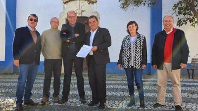CM de Reguengos de Monsaraz assina contrato para requalificação de arruamentos em São Pedro do Corval