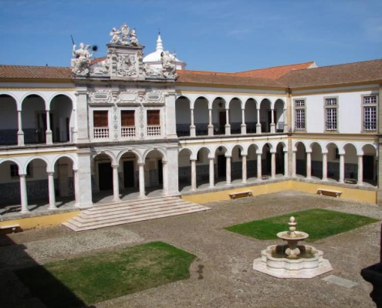 Agressões levam Associação Académica a alertar estudantes em Évora