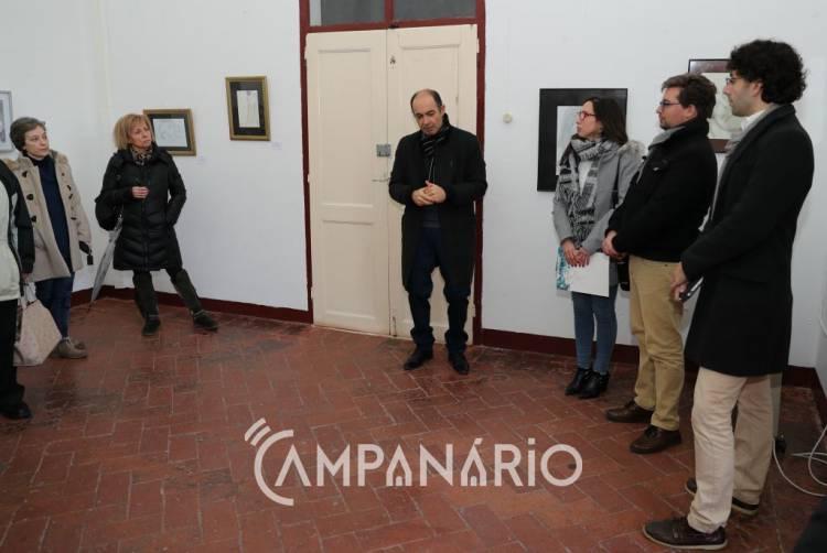 """""""Sou apaixonado pela forma como a luz encontra o corpo da mulher"""", diz António Almas na inauguração da sua exposição «Mulher» (c/som e fotos)"""
