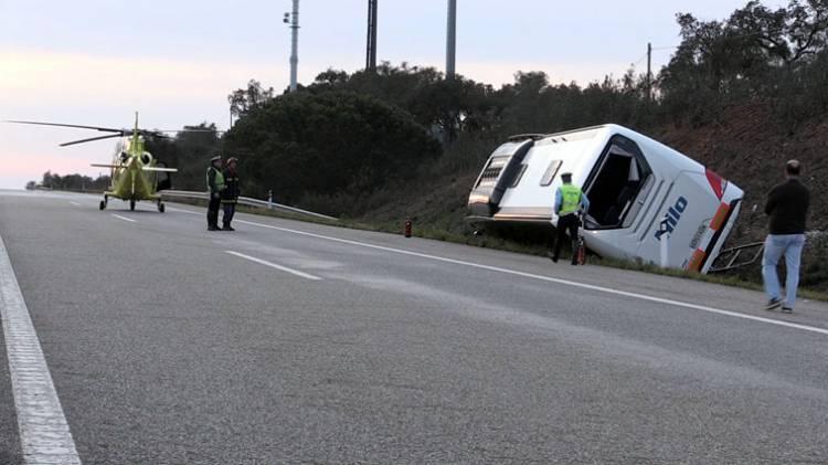 Despiste de autocarro faz 37 feridos próximo de Montemor-o-Novo