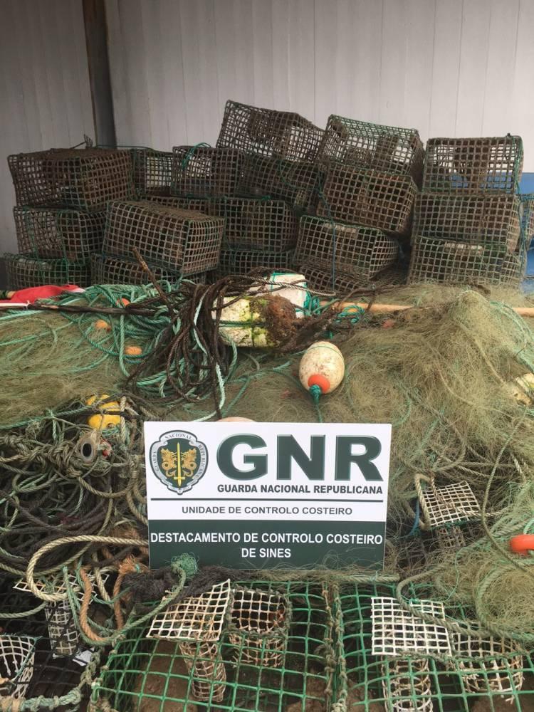 GNR apreende material de pesca, no Litoral Alentejano