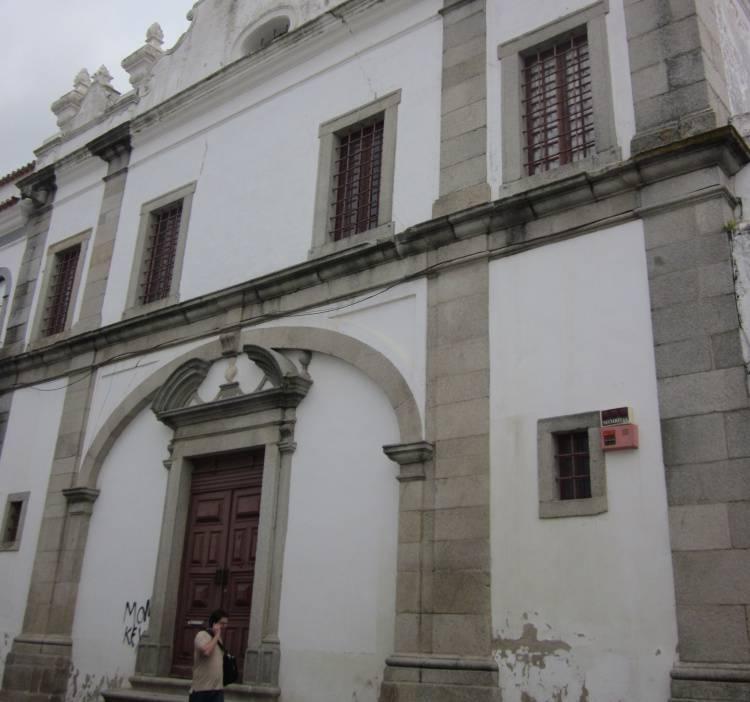 Évora: Iniciadas obras de contenção na igreja em perigo de derrocada
