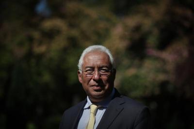"""""""Está a ser feito um trabalho conjunto e não vamos viver esta crise, escondendo problemas"""", diz António Costa em reação às críticas de Fernando Medina(Com Som)"""