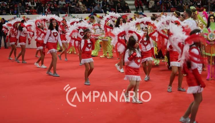 Elvas: Coliseu encheu-se de cor e animação no desfile dos Grupos de Carnaval. Veja as imagens (c/fotos)